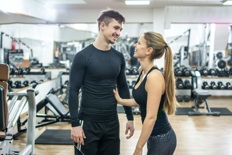How to Compliment a Man Couple on Gym